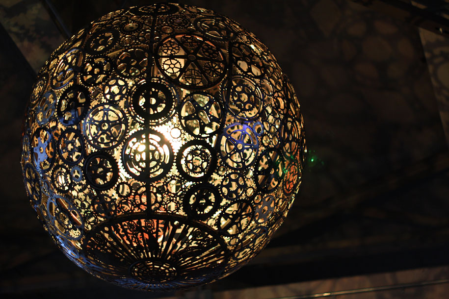 Creative Visual Art : Chandeliers Made from Recycled Bike ...