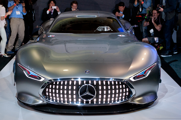 creative visual art mercedes benz amg vision gran turismo concept. Black Bedroom Furniture Sets. Home Design Ideas
